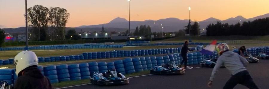 Depart, endurance kart, circuit sarron, activité en auvergne, puy de dôme, riom, équipes, course de kart, nocturne | Sarron Circuit